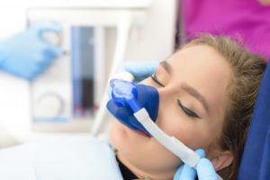 girl with nitrous oxide mask